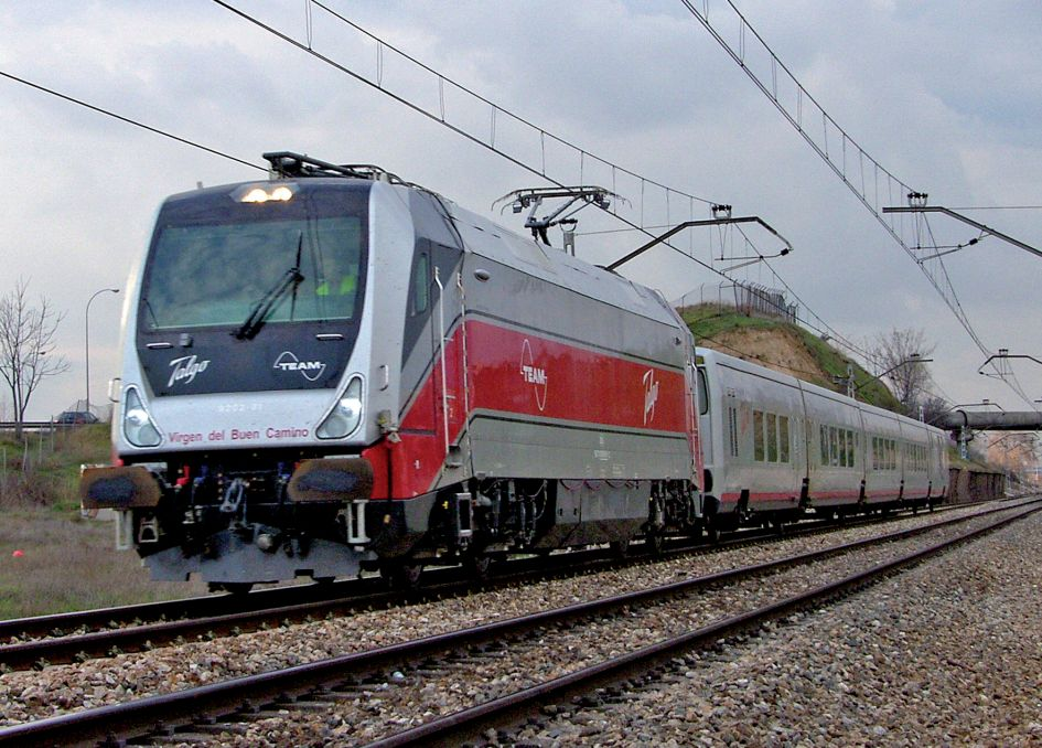 Trenes curiosos a lo largo de la historia del ferrocarril español Fotomes0811